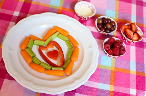 Think Red And Pink And Hearts And You Can Make Anything Have A Valentineu0027s  Day Twist! Create A Pretty Fruit And Veggie Platter By Strategically  Placing Your ...