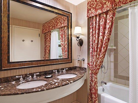 Hi_57471131_lacantera_bathroom_52243_1