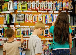SHOPPING SMART FOR BACK TO SCHOOL