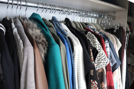 Organize Your Closet By Color And Type If Is Small Use Storage Swap Seasonal Pieces Like Sweaters Shorts