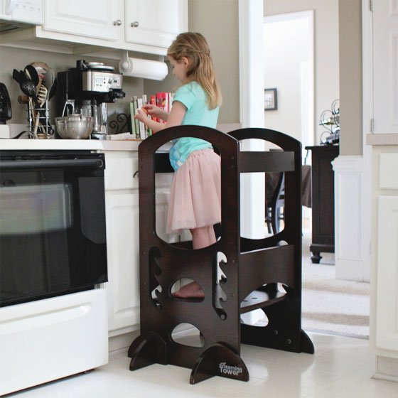 One of our favorite things to do with the Little Partneru0027s Learning Tower is prepare food! Part of the Montessori way is learning through a childu0027s senses. & Montessori in the Kitchen: 4 tips for making food fun - Daily Mom islam-shia.org