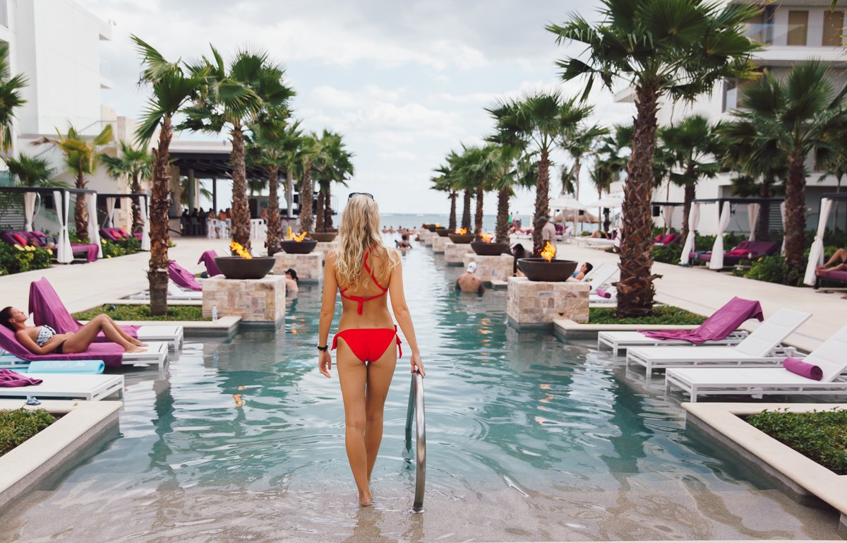 breathless-riviera-cancun-resort123