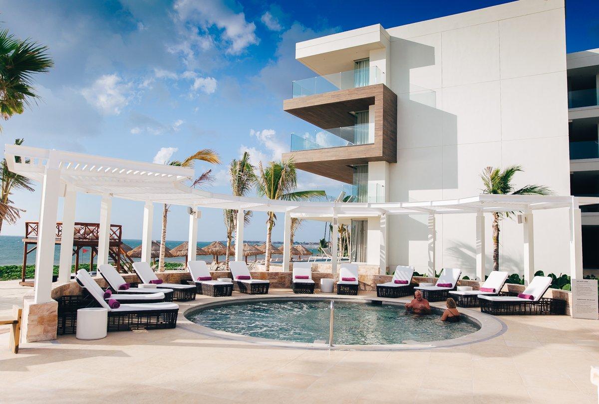 breathless-riviera-cancun-resort68