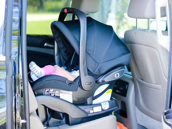 how to put newborn in graco car seat