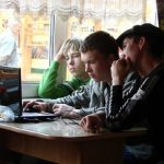 3 WAYS TO KEEP YOUR KIDS SAFE FROM ONLINE PREDATORS