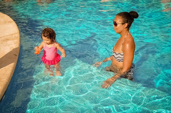8 REASONS TO TEACH YOUR BABY TO SWIM