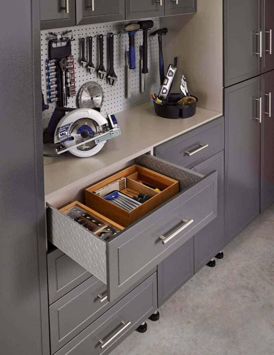 ClosetMaid Garage-WorkArea-Detail_ProGarage_preview