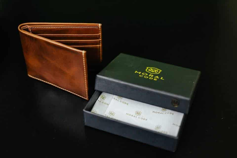 moral-code-wallet-fathers-day-gift-guide (6)