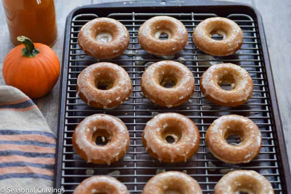 glutenfreeappleciderdoughnuts21ps