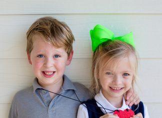 Daily Mom parents portal dressing sensory sensitive kids Ark Therapeutic Chew Necklaces Best Friends