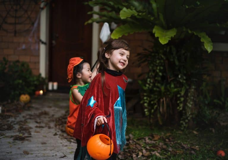 daily mom parent portal halloween safety 1