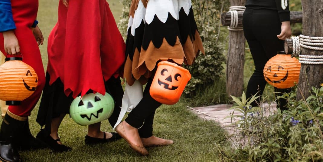 daily mom parent portal halloween safety