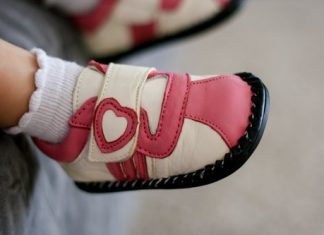 Baby's First Shoes: Pletuko