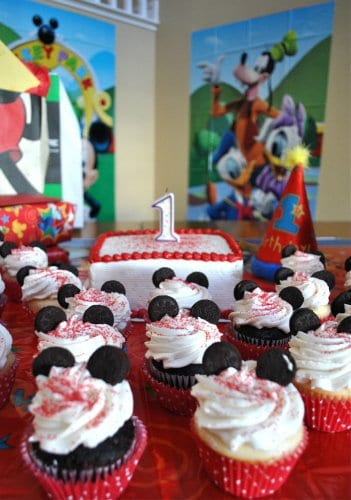 Baby's First Birthday: Must Take Photos 4 Daily Mom Parents Portal