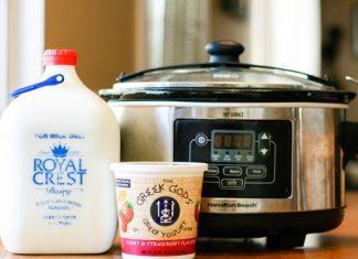 Homemade Slow Cooker Yogurt