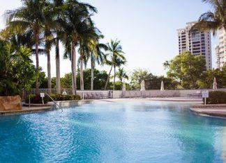Waldorf Naples Getaway: Affordable Luxury