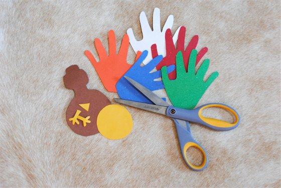 Handprint Turkeys: A Thanksgiving Family Tradition 2 Daily Mom Parents Portal