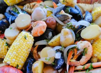 How To Make The Perfect Summer Clam Bake