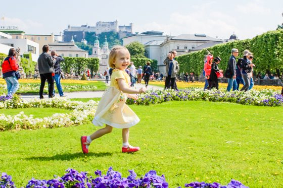30 DOS AND DON'TS OF TRAVELING ABROAD WITH CHILDREN 2 Daily Mom Parents Portal