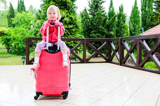 30 DOS AND DON'TS OF TRAVELING ABROAD WITH CHILDREN 1 Daily Mom Parents Portal