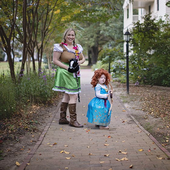 I00 HALLOWEEN COSTUMES FOR SIBLINGS 9 Daily Mom Parents Portal