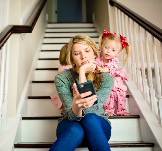 THE IMPORTANCE OF A DEVICE-FREE DINNER TABLE 3 Daily Mom Parents Portal