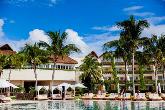 grand_velas_resort_pool (12)