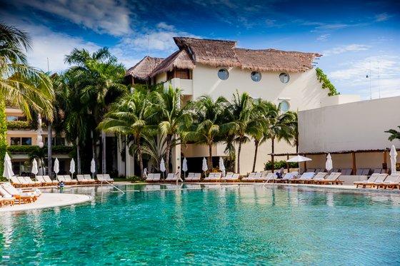 grand_velas_resort_pool (7)