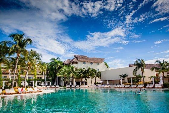 grand_velas_resort_pool (8)