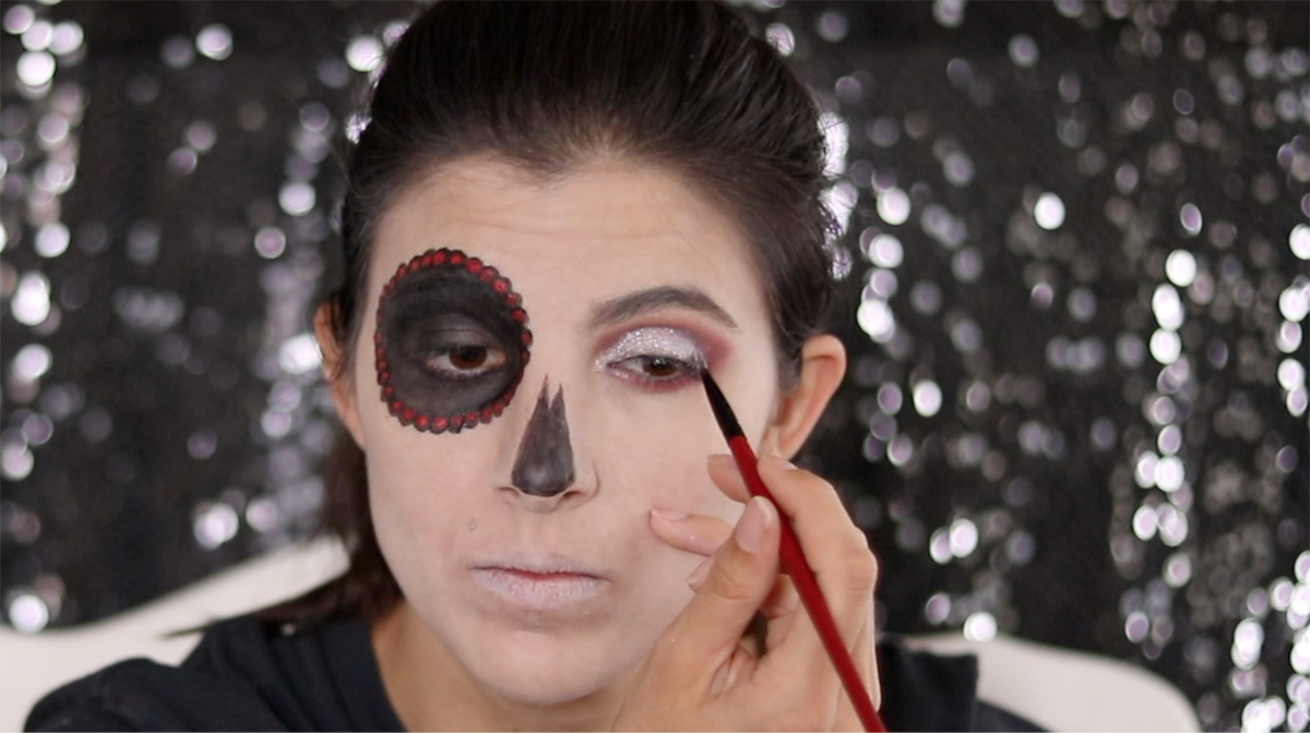 3 Skull Makeup Looks to Try 24 Daily Mom Parents Portal