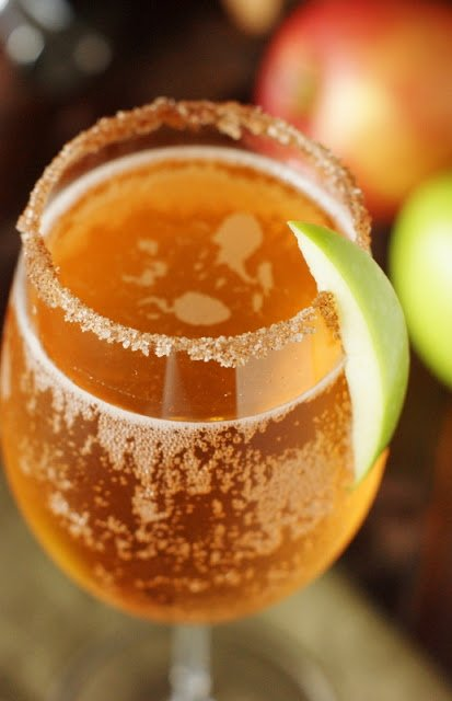 Top Ten Bubbly Cocktails For New Years 5 Daily Mom Parents Portal