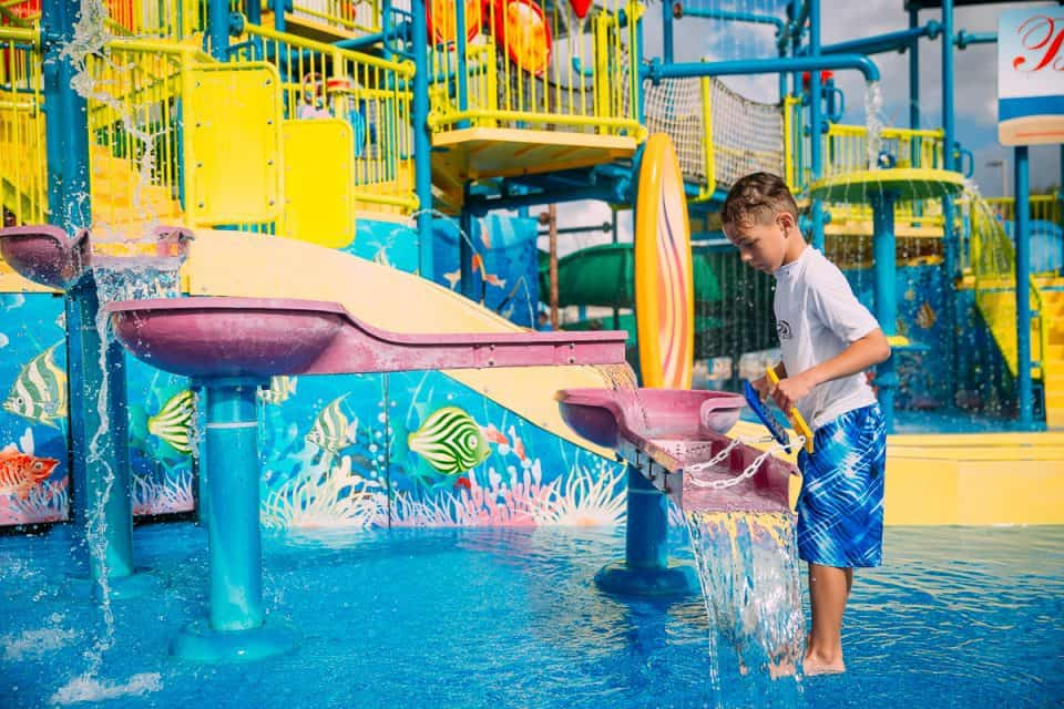 Tour One of the Best Family Resorts in Florida: Encore Resort at Reunion 25 Daily Mom Parents Portal