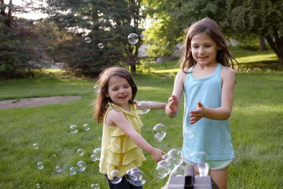 Backyard Bubbles for the Win - Introducing Fobble's Bubble Machine 4 Daily Mom Parents Portal