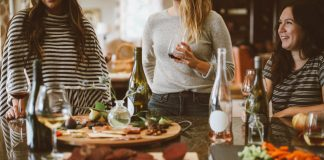 Family Dinner Traditions To Get Your Kids Talking