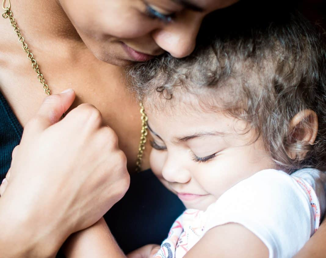 7 Ways To Handle Breastfeeding Challenges