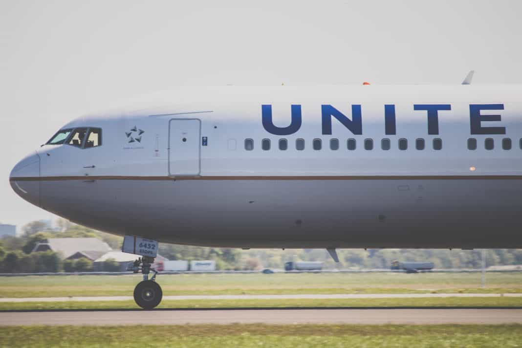 Mom Is Told Her Baby Isn't Allowed To Cry For More Than 5 Minutes On A United Flight