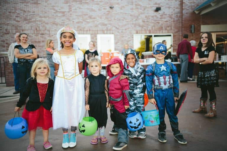 daily mom parent portal halloween safety 3