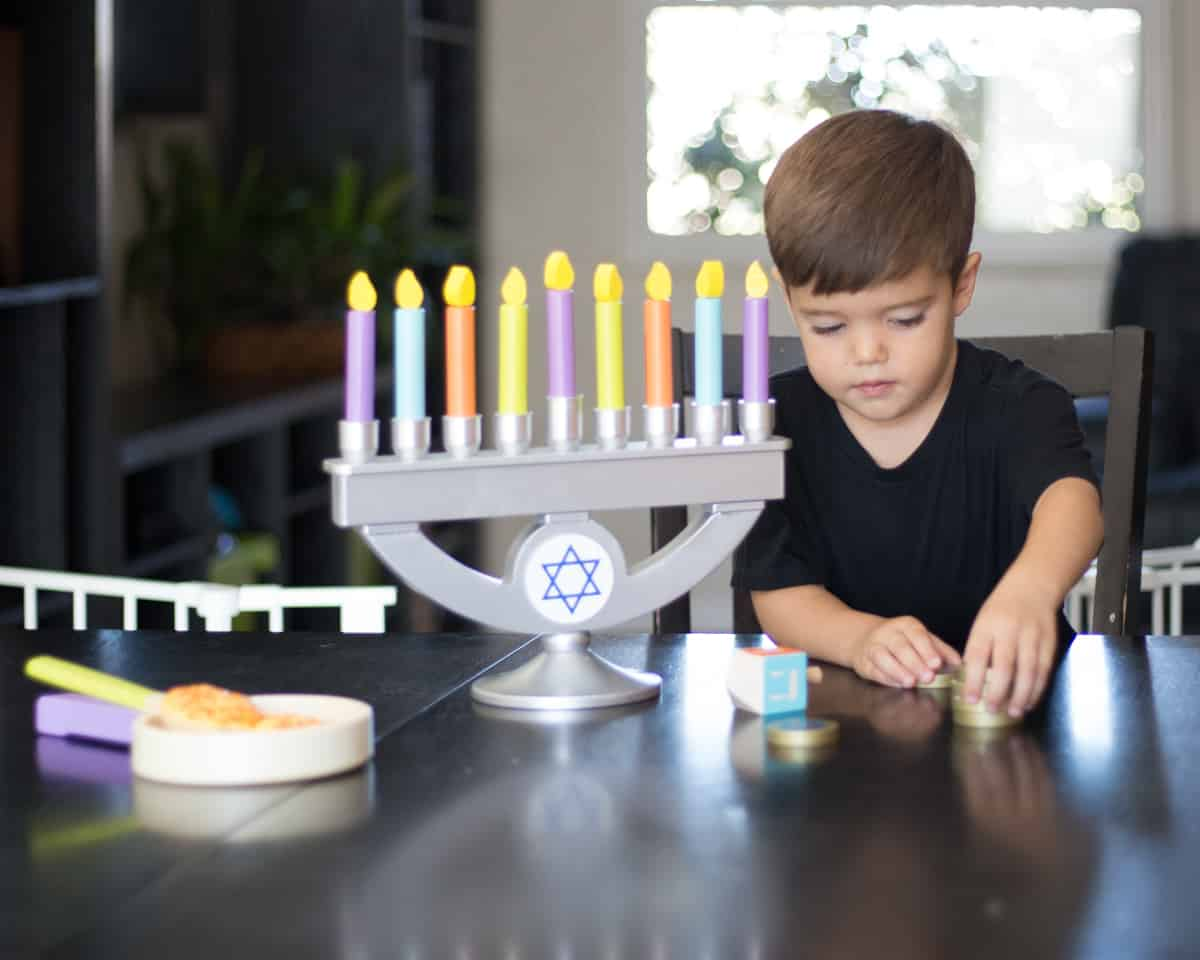 DAILY MOM PARENTS PORTAL KIDCRAFT MENORAH Top Toys of 2018