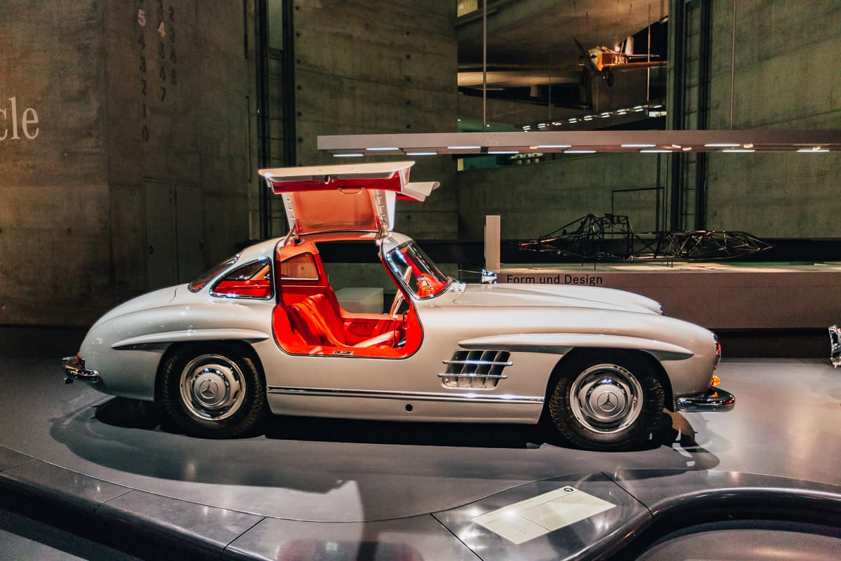 Daily Mom Mercedes Museum 2882