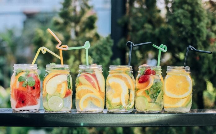 How To Eat Healthy On Vacation; 4 Easy Tips