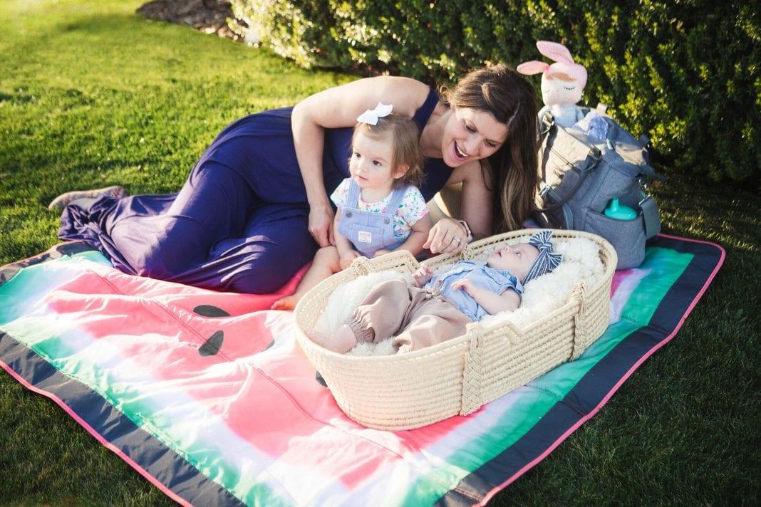 Best Baby Travel Accessories: Jj Cole Outdoor Mat
