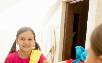 4 Smarter Ways To Teach Your Kids To Clean Bathrooms