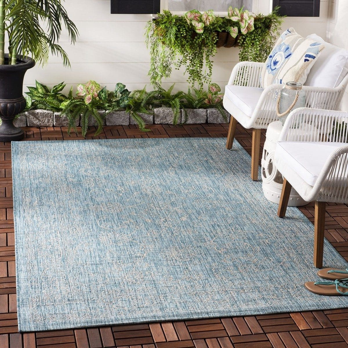 Giveaway: Win A Safavieh Rug Just In Time For The Holidays