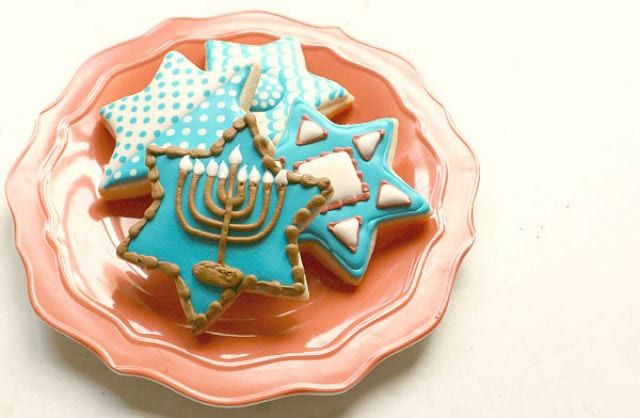 daily-mom-parent-portal-16 Hanukkah Recipes To Satisfy All Your Cravings