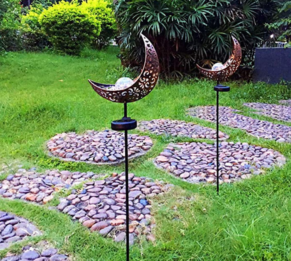 solar yard decor