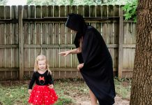 daily-mom-parent-portal-7 Tricks For Preparing Your Scared Child For Halloween